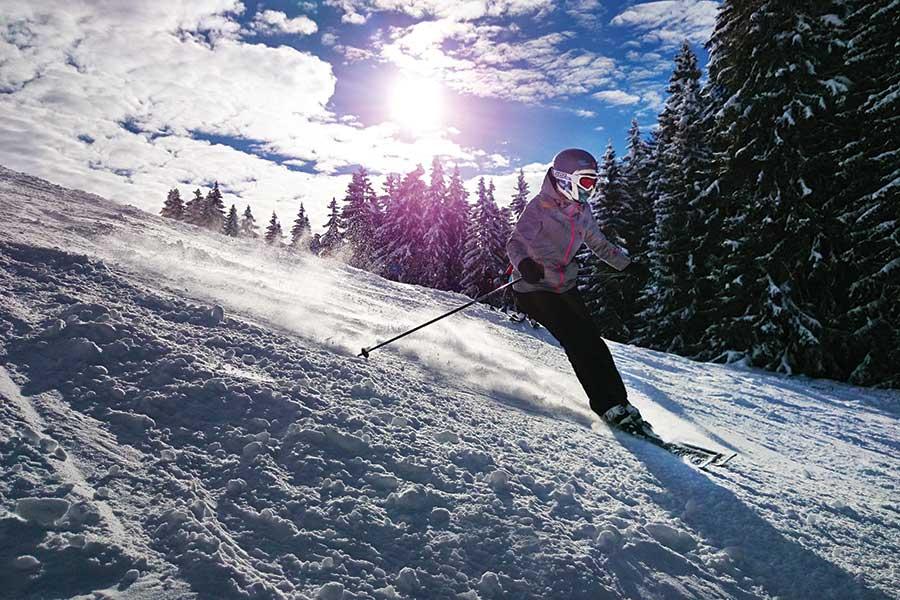outdoor-mountain-winter-skiing-wyoming