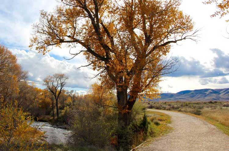 best-fall-hiking-fishing-northeast-wy