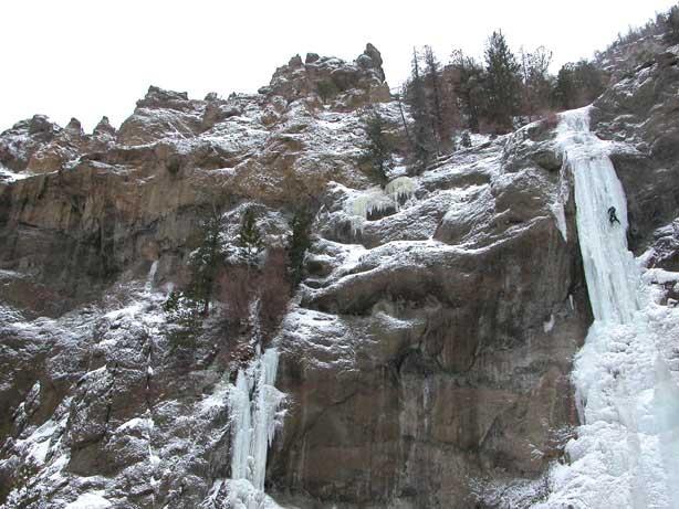 ice-climbing-bighorn-mountains-wy